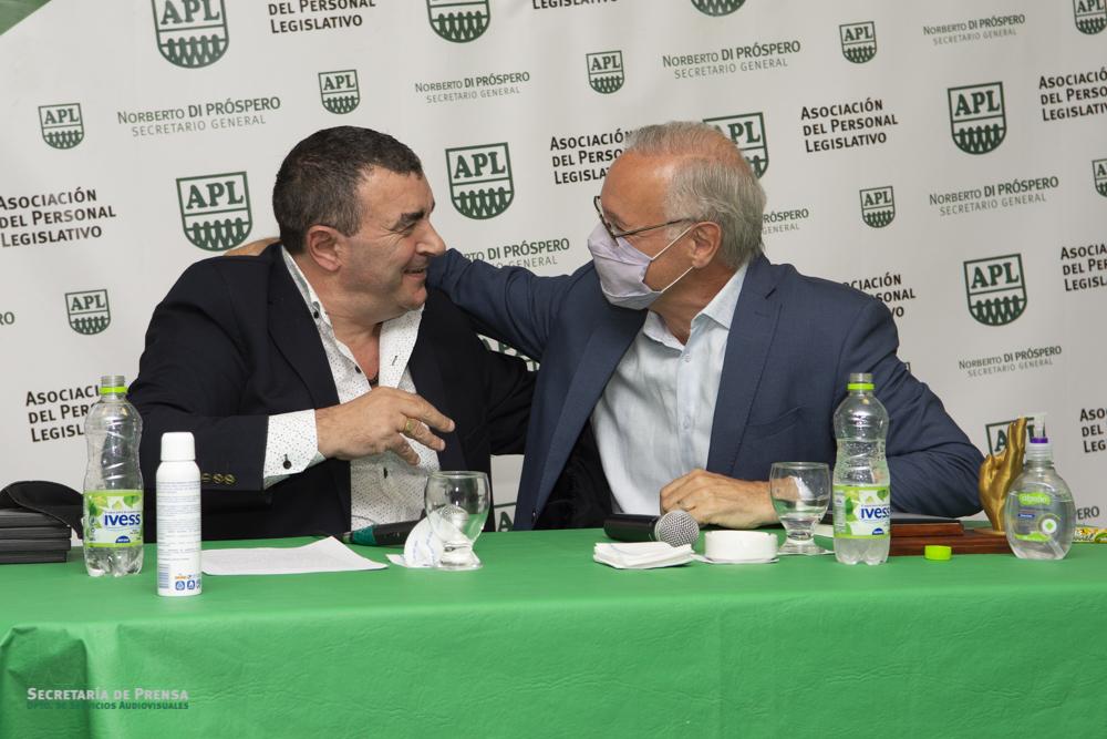 Hoy Daniel Gollán recibió el «Premio a la lealtad» en APL