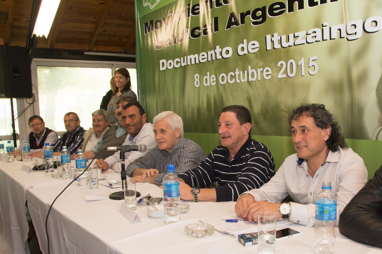 Encuentro Histórico en el Polideportivo de la Asociación del Personal Legislativo