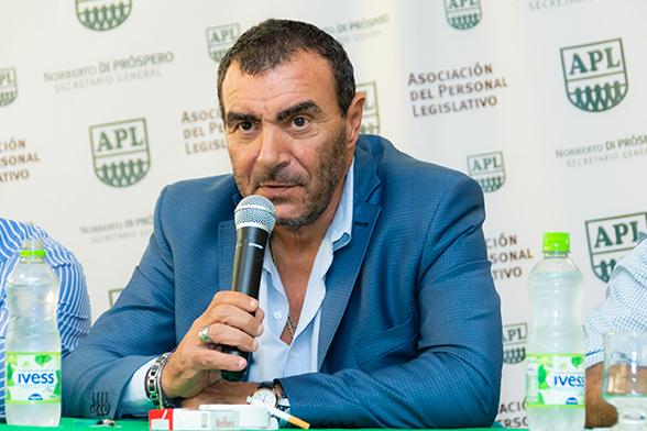 Di Próspero invitó a los legislativos a sumarse el 10 de marzo a la movilización para aprobar la memoria y balance del gremio.